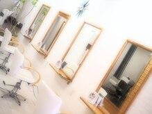 美容室 グリリ(guriri)の雰囲気(5席の小型サロン◎ガヤガヤした空間が苦手な方にオススメ!)