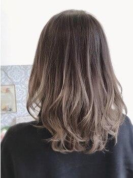 ロイヤルヘアー(ROYAL HAIR)の写真/【別府餅ケ浜】おしゃれ女子に大人気イルミナカラー!トリートメント成分にもこだわったうる艶カラー。