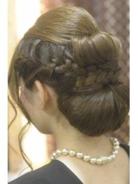 結婚式の髪型(ヘアアレンジ)  大人アップスタイル