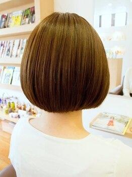クラリヘア(kurari hair)の写真/【ヘッドスパに新メニュー追加】サジーなどの植物を配合したアロマ精油スパで柔軟な頭皮とツヤ髪に導く♪