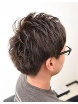 フラットヘアデザイン(FLaTHairDesign)心と髪に落ち着きを。アップバングショート、グレーを添えて