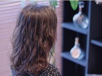"""フォーカス(4cu's)の写真/外国人風の巻き髪ヘアもOK!周りと差がつく""""ふんわりヘア""""を手に入れて、朝の準備も簡単可愛い♪"""