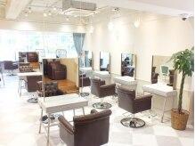エール 梅田(aile Total Beauty Salon)の雰囲気(店内は落ち着いた上質な空間が広がっています♪)