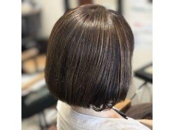 デザインヘア エーライン(A-Line)の写真/《髪や地肌にやさしいカラー剤で理想のスタイルに導きます!》オーガニックグレイ配合で艶感UPカラー♪