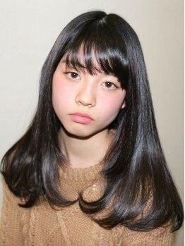 サクラ(SAKURA)の写真/最高級美容液[ラ・メール]を使用した縮毛矯正が大好評♪にがり成分配合でダメージも抑え、驚きの美髪に…