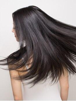 ステラ STELLAの写真/【平安通駅すぐ】業界初!酸熱トリートメントではない艶髪質改善プラス☆柔らかで艶やかな髪質を叶える♪