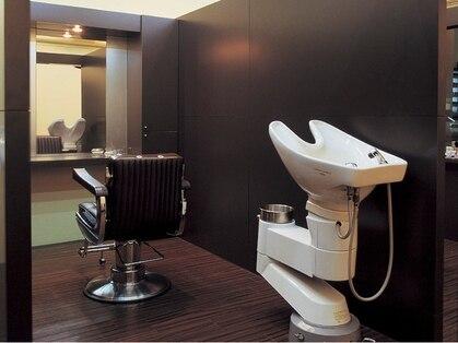 ラグジュアリーサロン ホワイト(Luxury salon WHITE)の写真