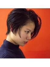 エミー(EMEEEEE)黒髪ショート