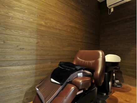 リバイブ ヘア アンド スパ(Revive HAIR&SPA)の写真/至福のヘッドケアを、専用の個室で思う存分堪能♪フルフラットのシャンプー台で、夢見ごこちのひとときを☆