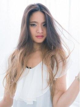 アクシス ヘアーデザイン(AXIS hair design)の写真/【カラー+カット¥4400】AXISの透明感たっぷりのグラデカラーやWカラーで、憧れの外国人風カラーが叶う♪