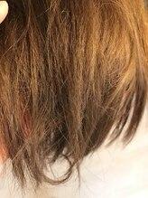 【ダメージレベル5以上/★★★★★】-カラーやパーマができない状態。ガサガサ見た目もだらし無くみえる