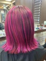 カルフール ロハス 草加東口店(Carrefour LOHAS)ド派手なピンクのハイライト