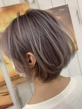 サニー サイド(Sunny Side)の写真/【マスク時代だからこそ髪を明るく♪】ハイライトのダメージケアにも配慮したイノアカラーで明るい艶髪に☆