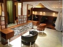 オワゾーブルー(OISEAU BLEU)の雰囲気(ヨーロッパのアンティークチェアーを使用。座り心地良いです)