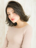 """ヘアサロン ナノ(hair salon nano)外国人風""""カーキ""""カラーがクールな雰囲気の外ハネスタイル"""