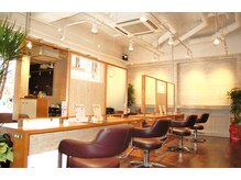 サロンズヘアー 野間店(SALONS HAIR)の雰囲気(広々10席のカット面で皆様のご来店をお待ちしております)