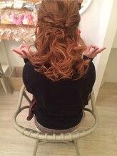 ヘアデザイン ミネルヴァ 心斎橋店(Hair Design MINERVA)ふゆふわハーフアップ