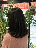 美容室 サロンドコームツヤ髪ミディカール