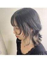 ウルフカット × 前髪インナーカラー