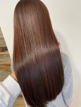 フィーカ(FiiKA)の写真/【FiiKAの髪質改善】威力はもう体験した?天然のクセも加齢にともなうウネリも一度ご相談ください!!