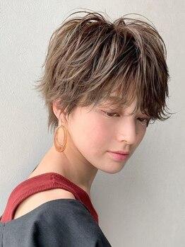 マグサロンギャラリー(Mag salon gallery)の写真/生え始めた白髪…Magなら、ファーストグレイの方にも◎しみない×デザインカラーと混ぜて色味を楽しめます!