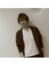 フルハウス (Full house HAIR DESIGN)岡本 久雄