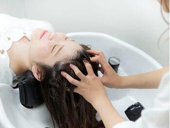ビーエル ブロッサム みずほ台店(BL Blossom)の写真/話題の炭酸泉使用【スッキリ炭酸泉スパ】二酸化炭素を含ませたジェット水流でマッサージをし、健康頭皮へ♪