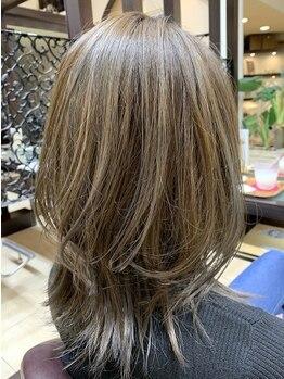 ロイヤルエムシー(MC)の写真/サロンの仕上がりを4週間持続させる極上トリートメント★サロンでも自宅でもうるツヤの『美髪』を実現!