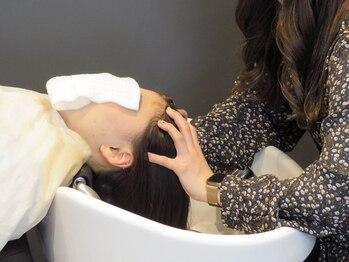アルター(aL ter)の写真/お手軽ヘッドスパで心も身体もリフレッシュ♪活性化の力で頭皮汚れをリセットし、髪ツヤ+色モチもUP!