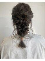 ケーオーエスビューティー(K O S beauty)後毛いっぱいの編みおろし