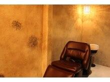 ヘアーズファクトリー トロンコ(hair's factory tronco)の雰囲気(シャンプーブースもフラットになり、半個室の極上空間です)
