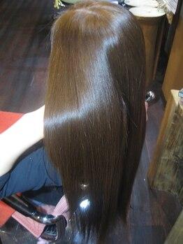 ボンゴ BONGOの写真/グロスをまとったようなツヤ髪に変身「BONGOグロストリートメント」大好評です。