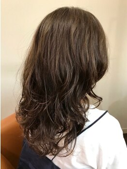 コンティーゴ(contigo)の写真/【お洒落を楽しみたい方必見☆】ダメージ補修しながらツヤのある美髪へ♪ゆるふわパーマで朝も楽チンに*