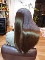イロ(ilo)「ツヤ髪専用トリートメント」髪質改善ヘアエステ