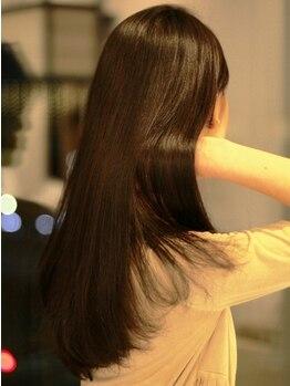 ヘアジェニー(hair Jenny)の写真/最先端形状記憶系トリートメント新導入☆カール・ボリューム・艶・まとまりが欲しい方必見!お手入れ簡単♪