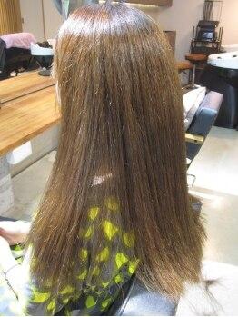 ルーフ(ROOH)の写真/【縮毛矯正&カット¥10800】30代からのうねり髪を解消!ダメージレス×自然な仕上がりで日々のお手入れも楽♪