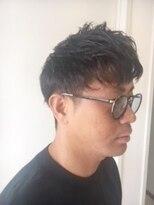 パルフェ(PARFAIT)黒髪×直毛という素材を活かしたクールかつモダンスタイル