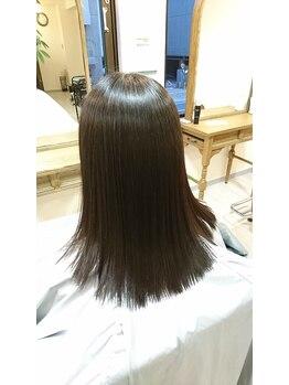 リリーフ ヘア(ReLIEF hair)の写真/【新大宮駅】髪質やライフスタイルに合わせた提案でくせ毛うねりが気になる方にオススメ☆マンツーマンも◎