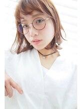 シーバイプリマ(Si by PRIMA)白シャツの似合う『抜け感ボブ』 【阪上拓馬】