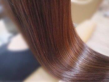 ブリス(VLISS)の写真/【表参道徒歩3分】毛先まで潤う極上の仕上がりに♪ダメージを最小限に抑え自然なストレートヘアが叶う★