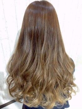 ヴィラ 桔梗が丘店(VILLA)の写真/季節の中で光輝くツヤ色、実現。髪に優しいVillaカラーなら繰り返しても潤い続く♪明るめ旬色もオマカセ☆
