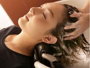 ポールワークス 初台(pourl works)の写真/健康で綺麗なヘアをお求めの方に◎頭皮のコリをしっかりほぐす、痛気持ちいい感覚のヘッドスパで癒されて―