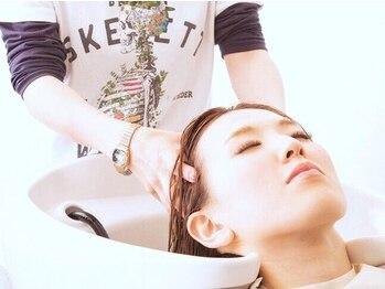 ヘアーメイク リィリィ(hair make riri)の写真/【カット+シャンプー+クイックスパ通常¥3500→¥2500】で髪ストレスをケア!日々の疲れを癒したいあなたへ