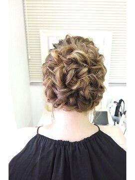 結婚式 髪型 波ウェーブヘアアレンジ ウェーブ巻きの華やかまとめ髪☆