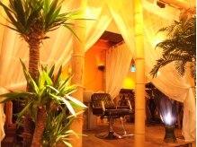 ヘアーリゾート スリーピースプラスワン(Hair Resort 3pice+1)の雰囲気(天蓋付きのシャンプー台です!お姫様気分になれます(笑))