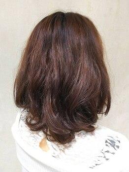 ヘアーメイク グレマ(HAIR MAKE grema)の写真/白髪をカバーしながら自然な仕上がりに―。グレイカラーでもオシャレを楽しみたい大人女性におすすめです。
