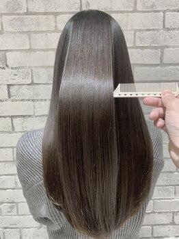 """フェリア 松山(Feria)の写真/自然なツヤをまとった""""ふんわり柔らか""""ストレートでお手入れ簡単◎硬くゴワついた髪も、地毛の様な質感に―"""