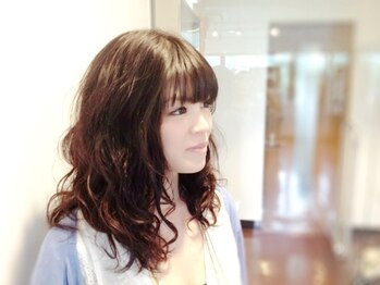 ヘアープレイス ガガ(Hair place GAGA)の写真/ダメージレスなのでカラー後もOK★立体的で弾むような、美しく柔らかい質感が特徴のデジタルパーマが人気!
