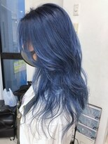 シャチュー(SHACHU)ネイビー×ブルーのグラデーションカラー