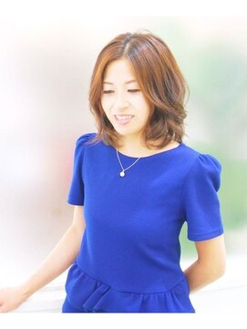 ミチ(michi)30代に人気のノンジアミンカラー【クリアカラー】で上品な艶髪に
